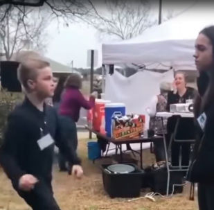 Как завоевать старшеклассницу - видео