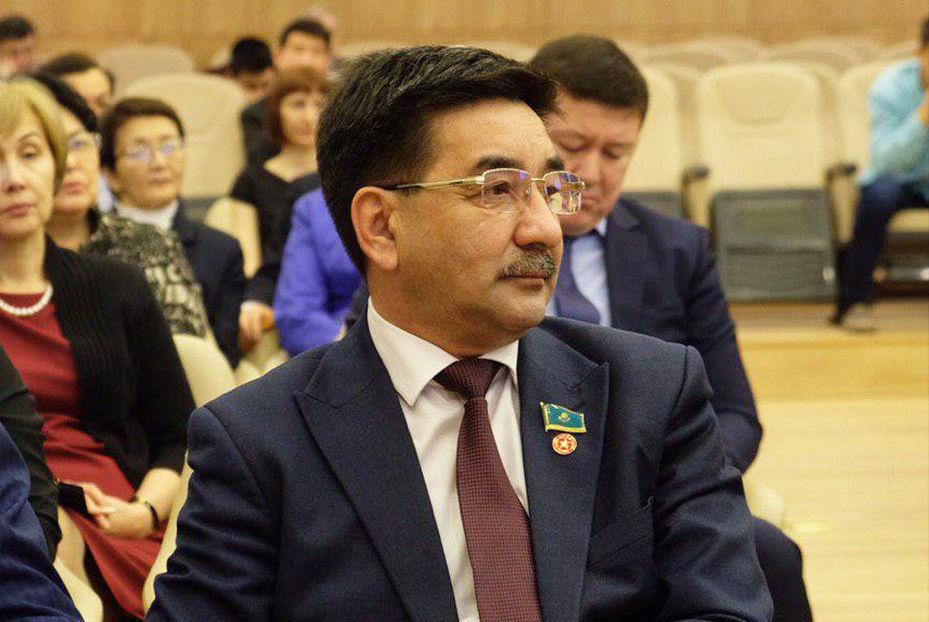 Кандидат в президенты РК Жамбыл Ахметбеков