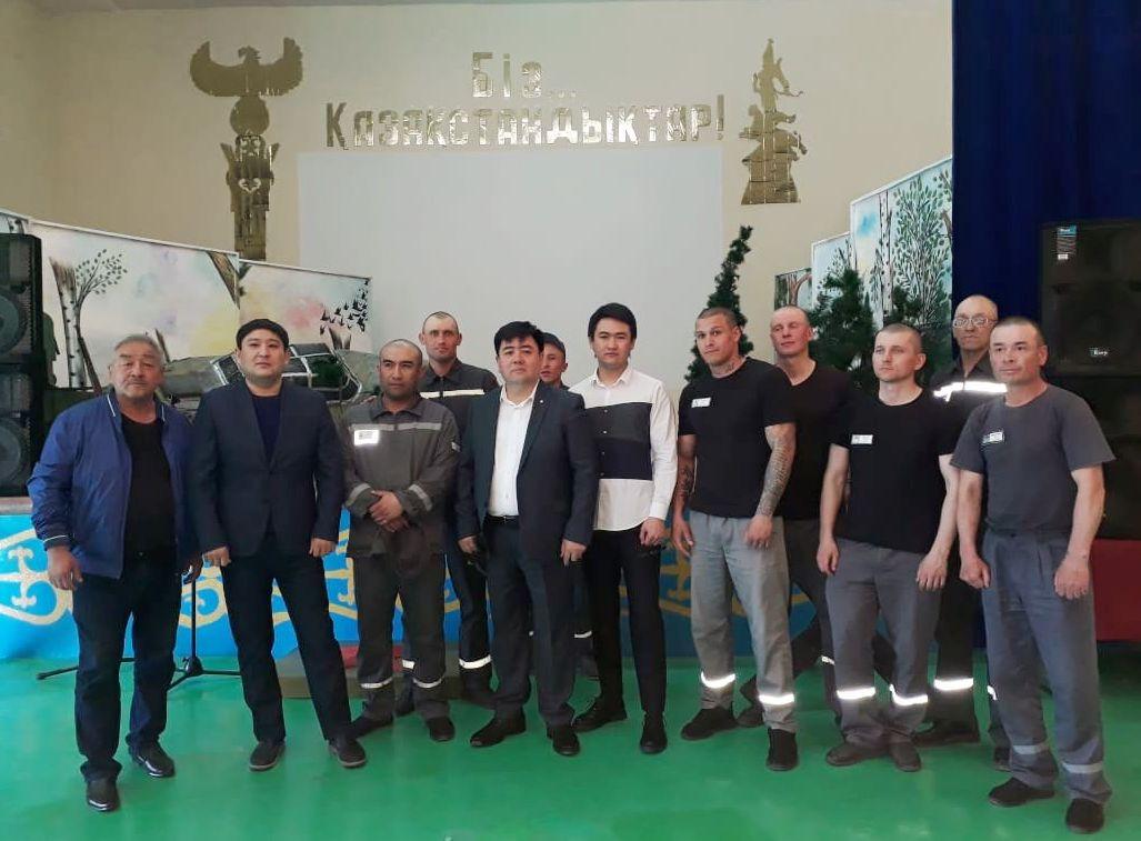 Певец Торегали Тореали посетил колонию в Алматинской области