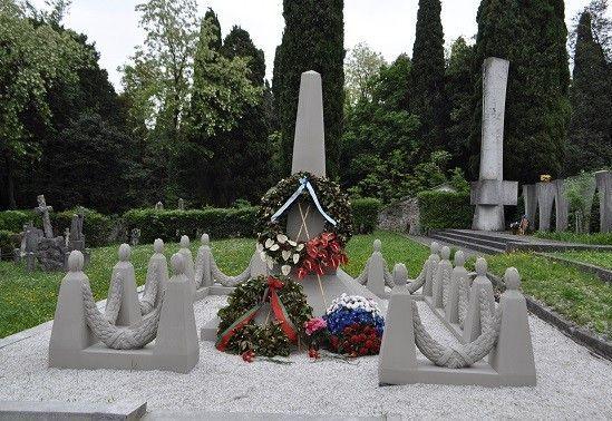 Памятник казахстанским солдатам, погибшим на территории Италии во время Второй мировой войны