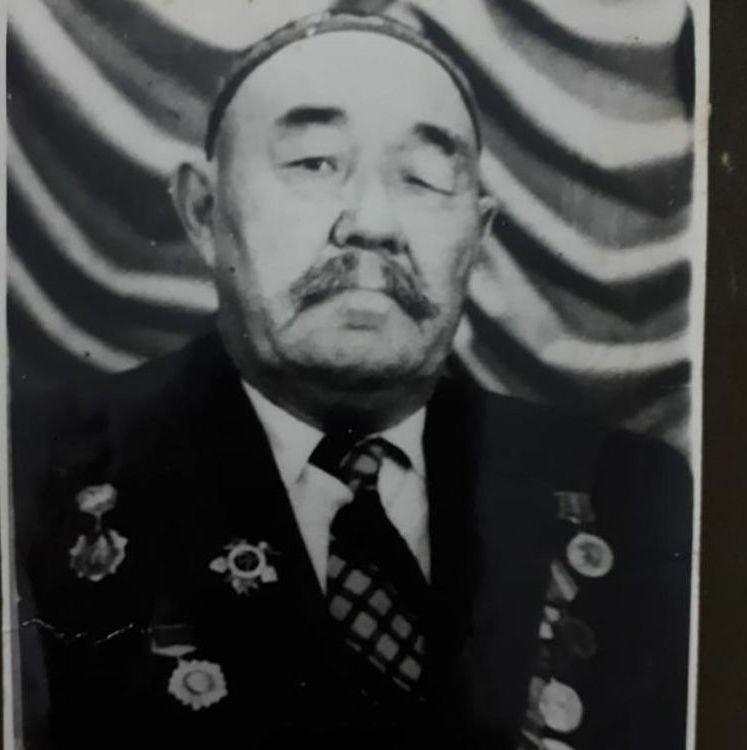 Абилхан Маханов - кавалер ордена Отечественной войны I степени, акын
