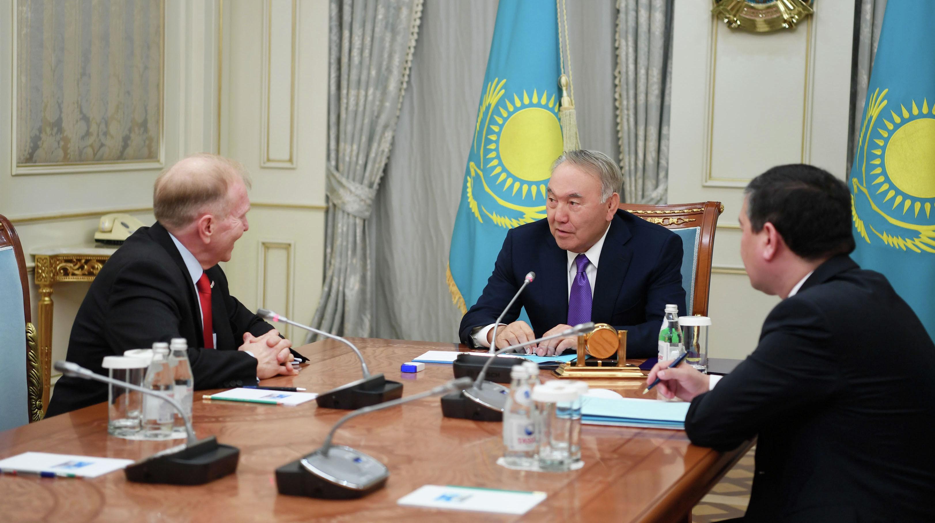 Елбасы Нурсултан Назарбаев встретился с Чрезвычайным и Полномочным послом США в Казахстане Уильямом Мозером