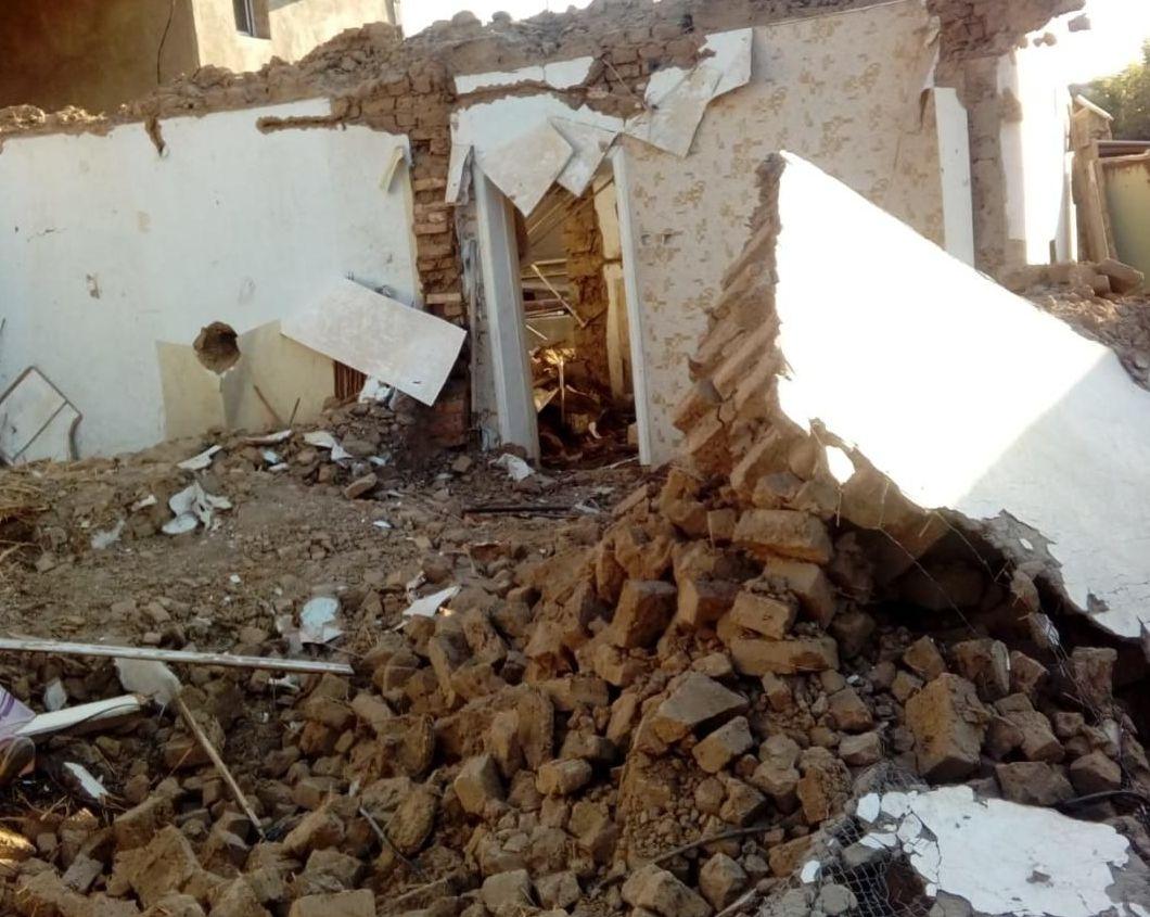 При демонтаже нежилого дома в Шымкенте рухнула стена
