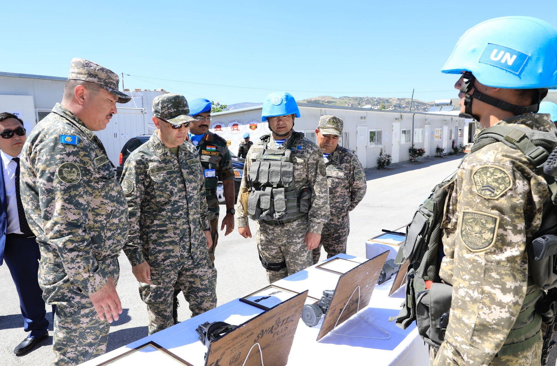 В ходе посещения зоны ответственности батальона ИндКазбат глава ведомства ознакомился с повседневной деятельностью военнослужащих казахстанского миротворческого контингента