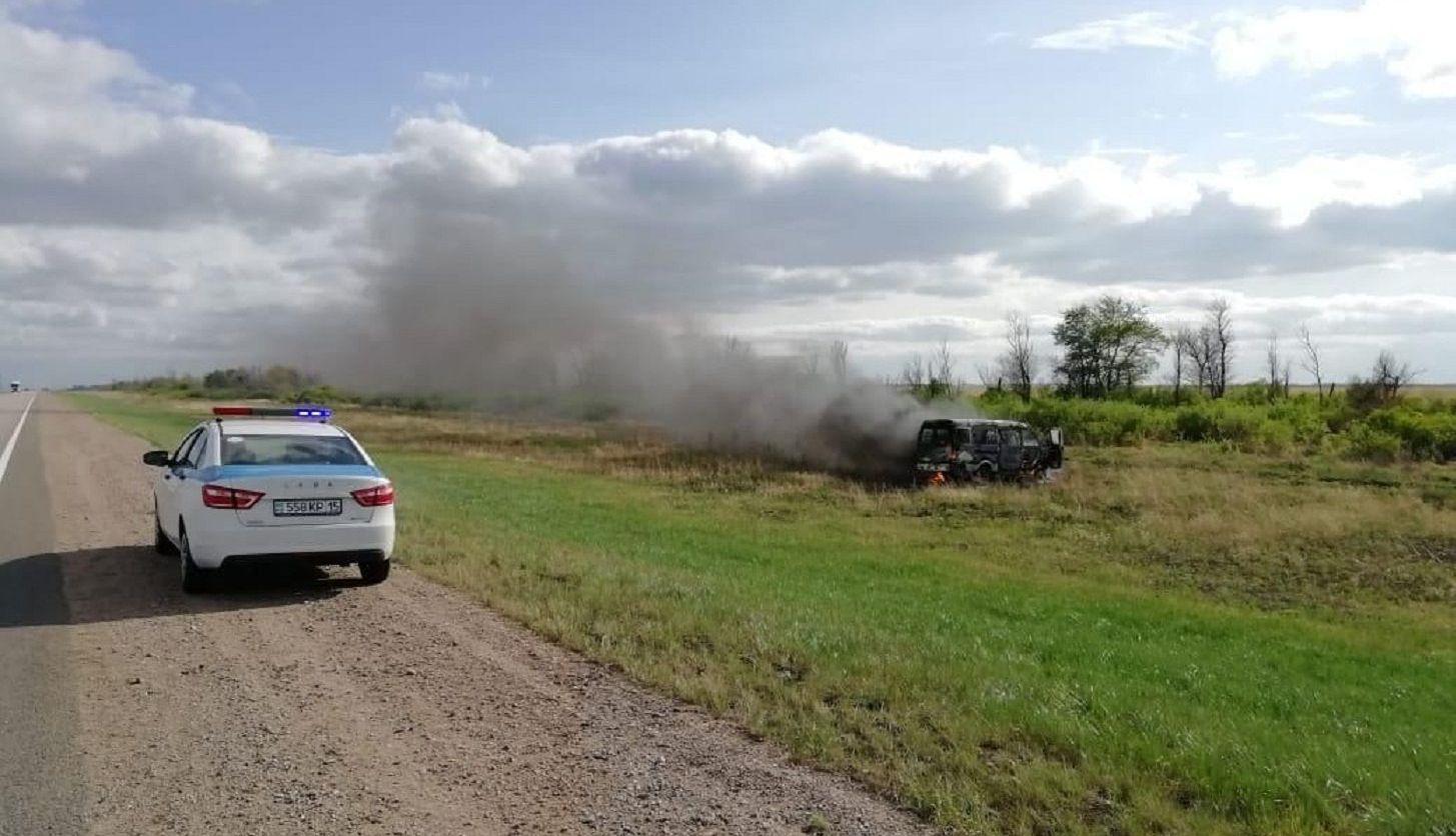 Сгоревший дотла микроавтобус. Северо-Казахстанская область