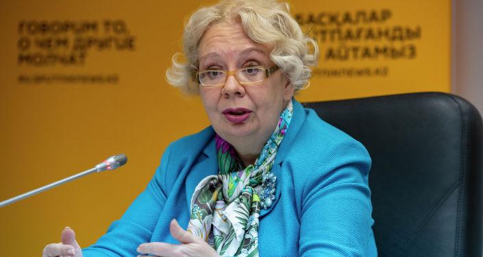 Член коллегии (министр) по интеграции и макроэкономике Евразийской экономической комиссии Татьяна Валовая в студии Sputnik Казахстан