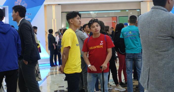 Волонтеры на Казахстанско-российском форуме молодежи в Костанае