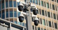 Камера видеонаблюдения на дороге