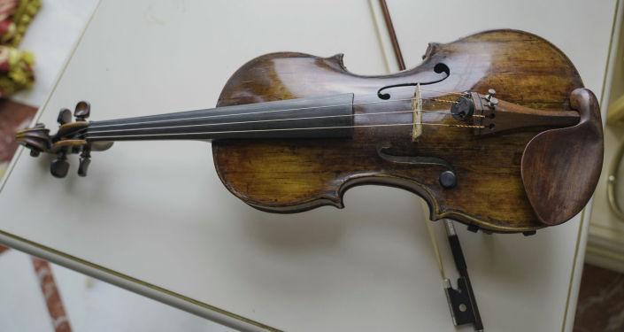 Скрипка включена в государственную коллекцию уникальных инструментов