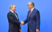 Президент Казахстана Касым-Жомарт Токаев поприветствовал главу России Владимира Путина, архивное фото