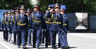 В канун Дня защиты детей юные кадеты показали красивый парад