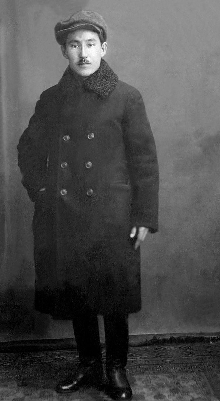 Воронеж (Валуйки) жерінде айдауда (1932-1935 жж.)