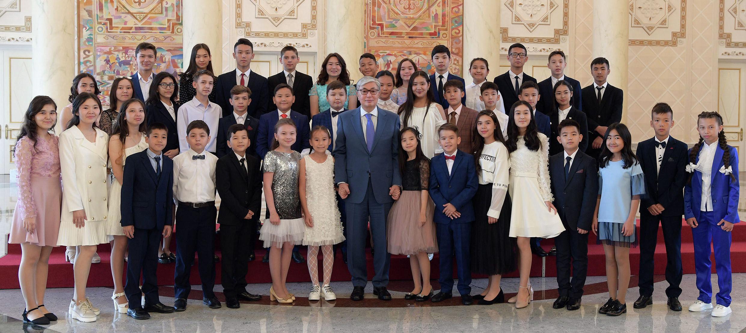 Касым-Жомарт Токаев на встрече с победителями международных и республиканских олимпиад