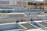 Ограждения вокруг Дома министерств и здания правительства