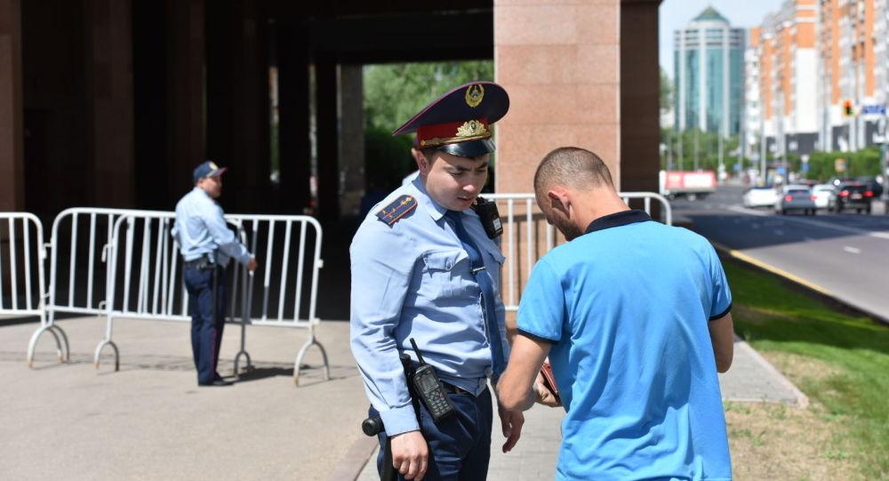 Қазақстан полициясы президент сайлауы алдында күшейтілген режимге көшеді
