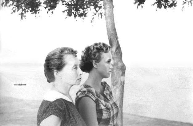 Воронцова Н.Е. и дочь Вера, 1960 год