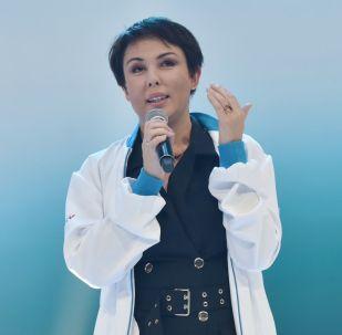 Телеведущая, общественный деятель Аружан Саин на форумt партии Nur Otan
