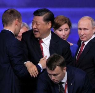 Қытай төрағасы Си Цзиньпин Петербургте өткен халықаралық экономикалық форумға қатысты