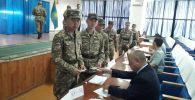 Военнослужащие Казахстана проголосовали на выборах президента