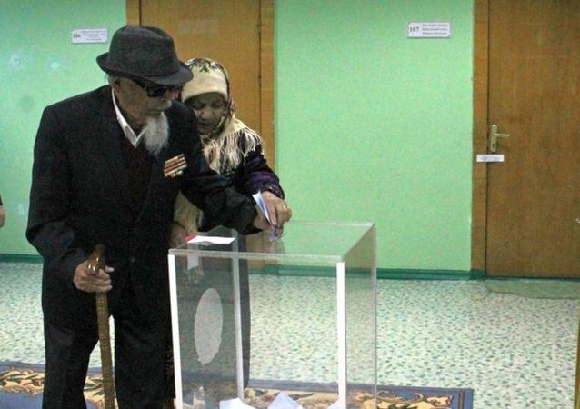 Один из старейших жителей Караганды проголосовал на выборах президента