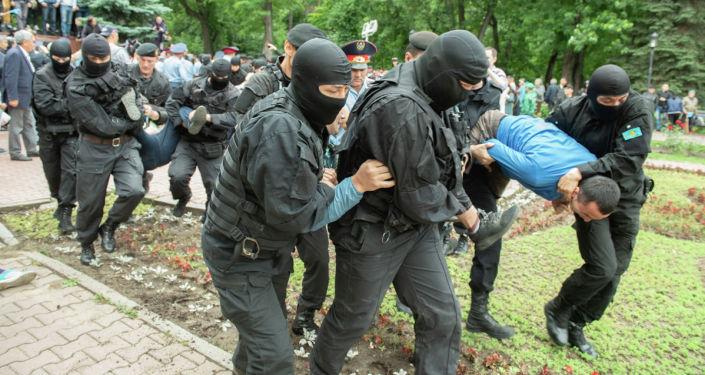 Задержания в Алматы во время митинга