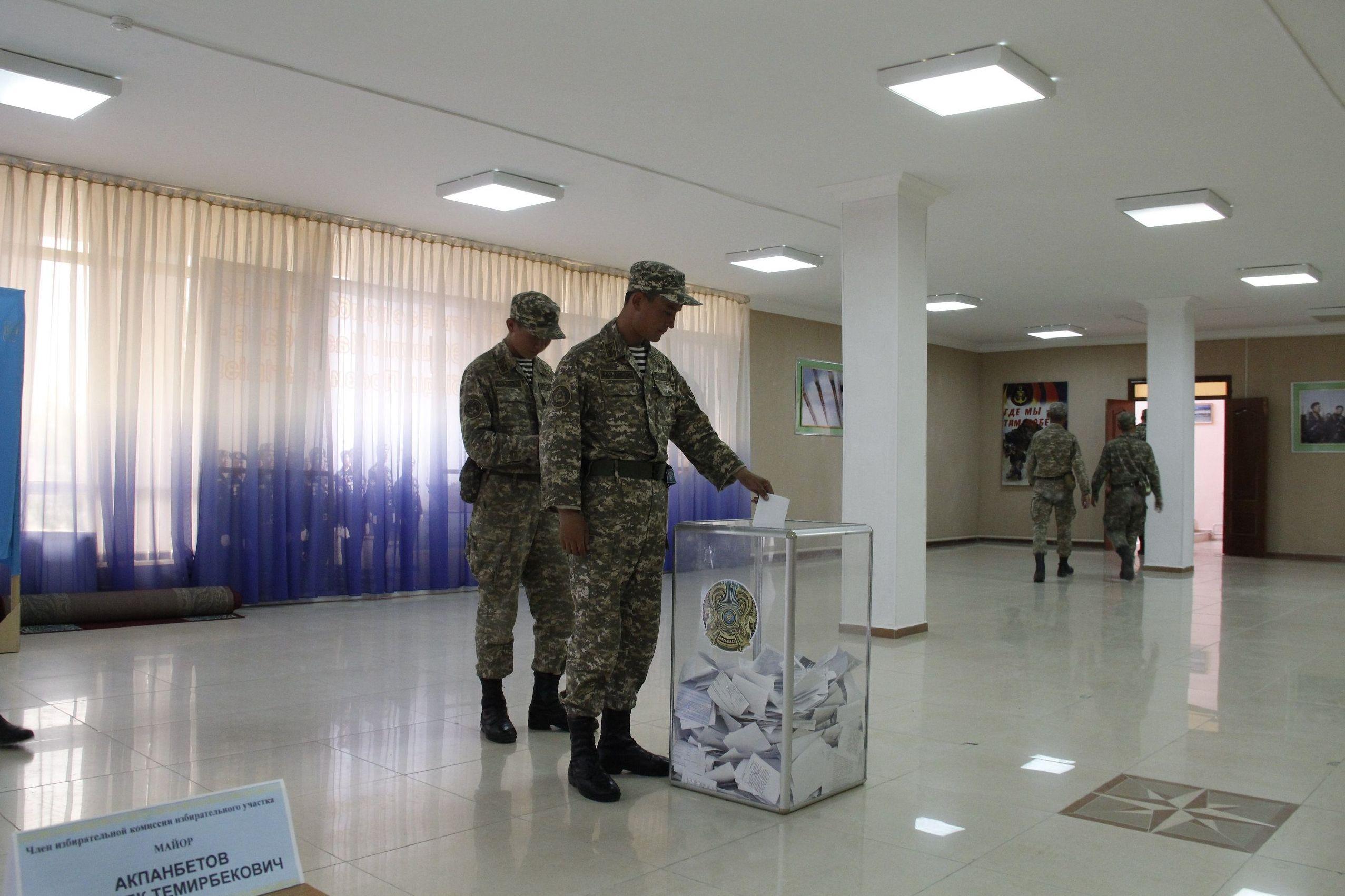 Голосование в Вооруженных силах Казахстана