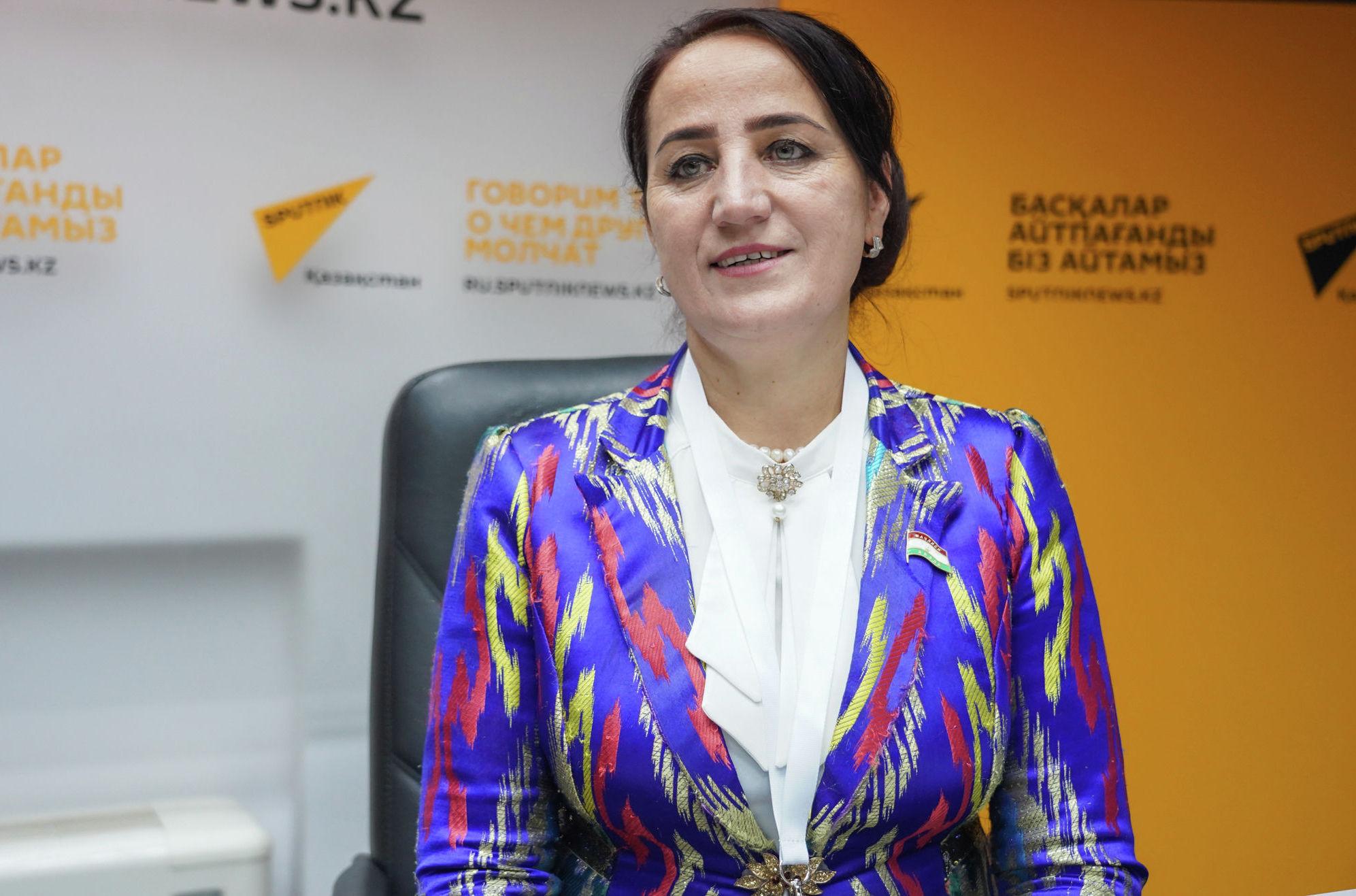 Дададжонова Саяхат, член комитета маджлиси милли маджлиси оли Республики Тиаджикистан