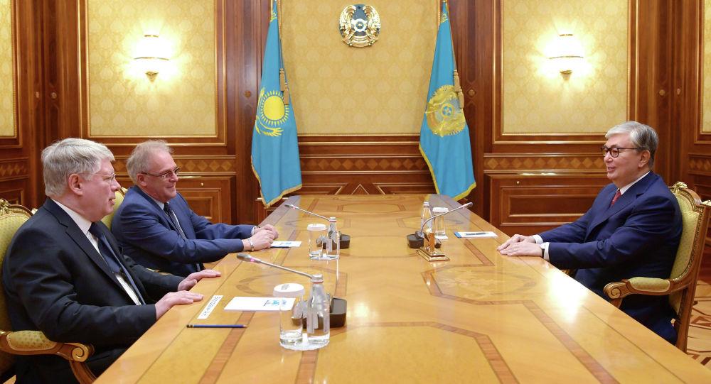 Глава государства принял Чрезвычайного и Полномочного посла Российской Федерации в Республике Казахстан Алексея Бородавкина