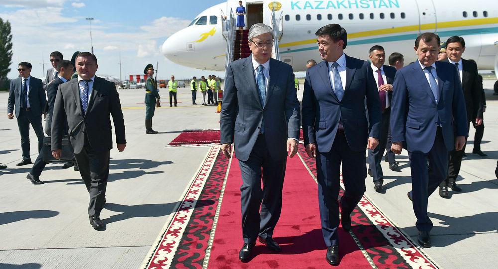 Касым-Жомарт Токаев прибыл в Кыргызстан на саммит ШОС