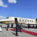 Пакистанский премьер-министр Имран Хан прибыл на Gulfstream 450. В аэропорту его встретил вице-премьер КР Замирбек Аскаро