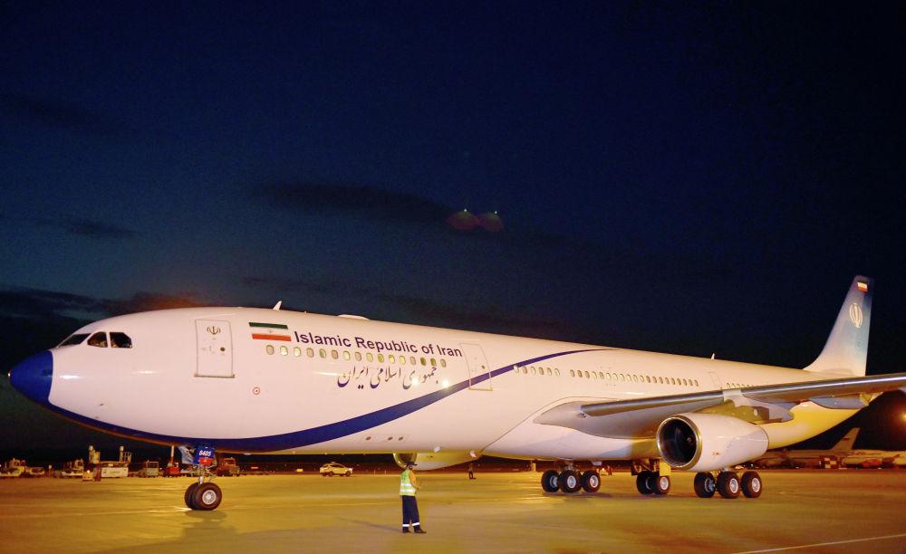 Президент Ирана Хасан Рухани прибыл на Airbus А 340-300