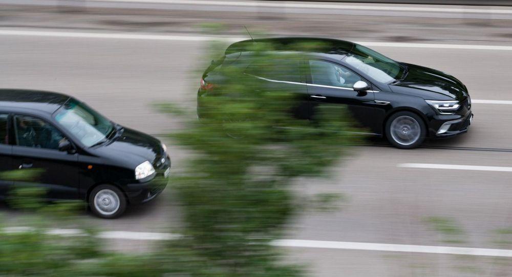 Дорога, скорость, обгон, иллюстративное фото