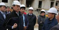 Нұр-Сұлтан әкімі Алтай Көлгінов қаладағы проблемалы тұрғын үй кешендерін аралады
