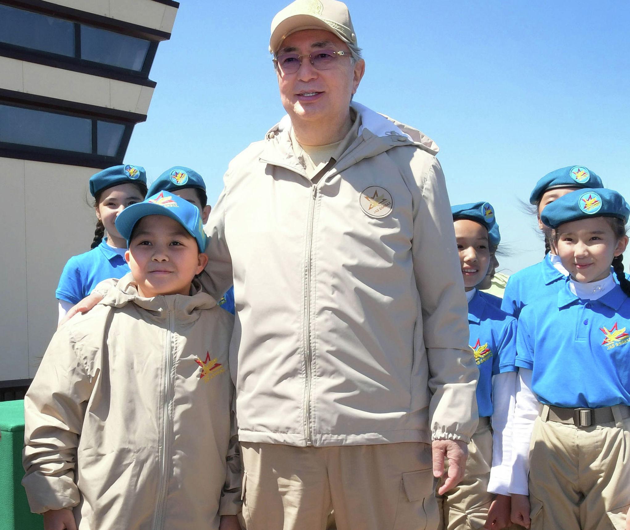 Президент Казахстана Касым-Жомарт Токаев на открытии V Республиканского военно-патриотического сбора молодежи «Айбын»