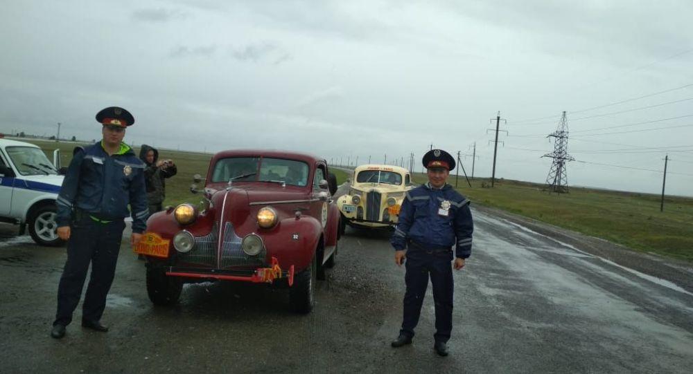 Участник ретро-ралли сбился с пути в Павлодарской области