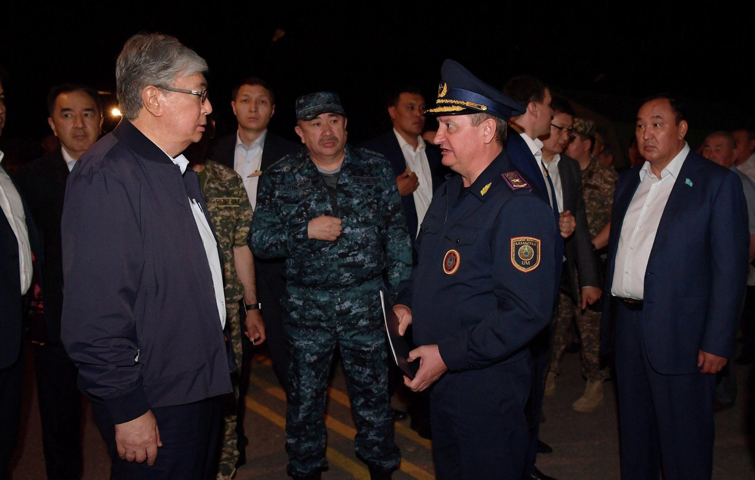 Президенту Казахстана доложили, как прошла эвакуация, а также что делается для ликвидации очагов взрывов и возгорания