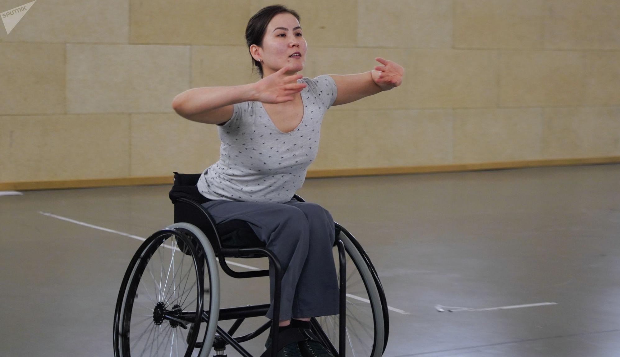 Чемпионка мира по паратанцам (спортивные танцы на колясках) Карлыгаш Тынабекова