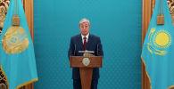 Президент Казахстана Касым-Жомарт Токаев поздравляет представителей СМИ накануне профессионального праздника