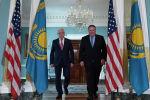 Глава МИД Казахстана Бейбут Атамкулов и госсекретарь США Майкл Помпео
