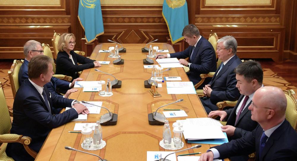 Глава государства встречается с руководством компании Polpharma