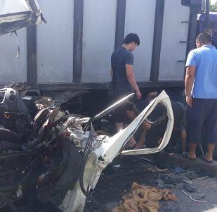Қоқыс таситын көлік жүргізушісінің кесірінен 17 жастағы жолаушы мерт болды