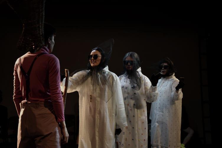 Спектакль Три девицы под окном, Маг-Король и Принц с Конем, а также Рагнарек и другие неприятности