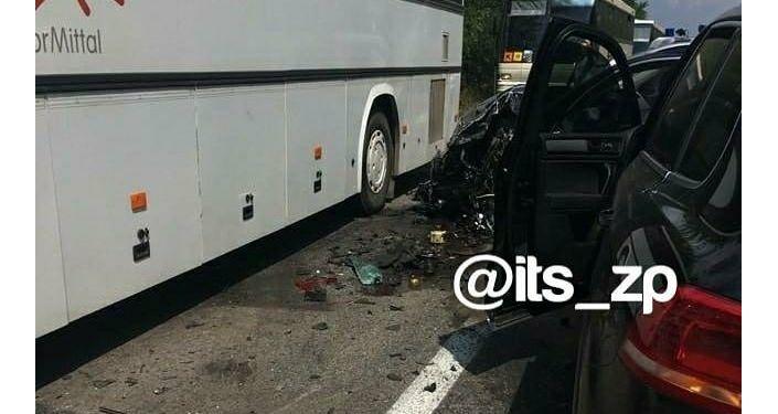 Кортеж Зеленского врезался в автобус с детьми