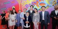 Димаш Кудайберген с гостями и участниками второго детского вокального фестиваля-конкурса Baqytty bala