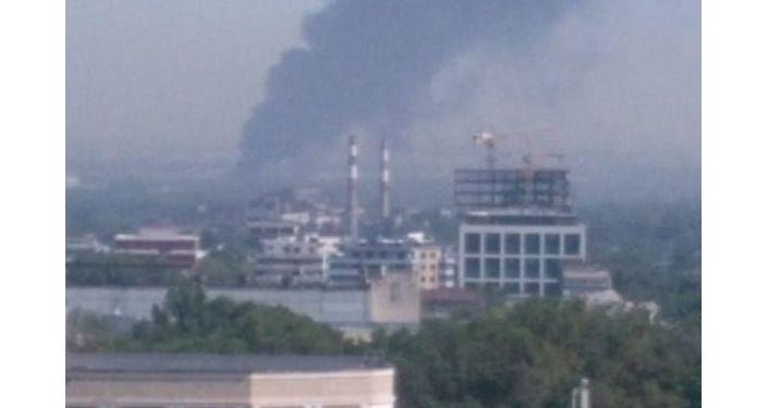 Пожар на складе в Жетысуском районе