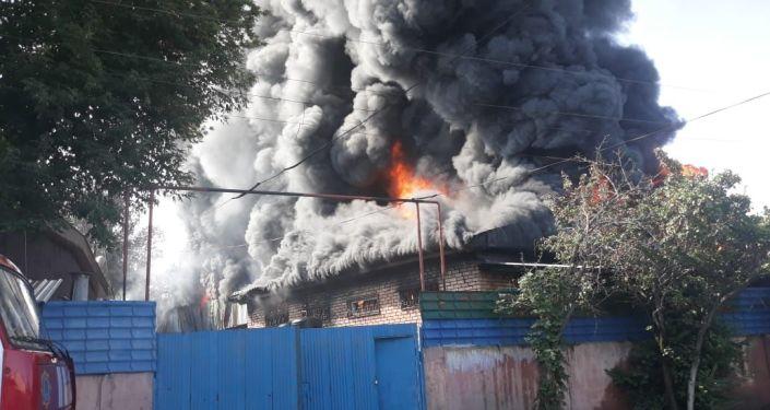 Пожар в Жетысуском районе