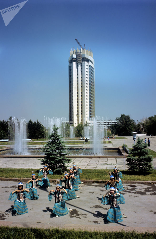 Эстрадно-танцевальный ансамбль Гульдер