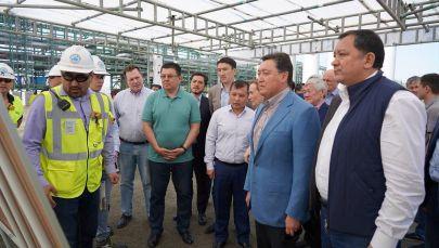 Аскар Мамин посетил месторождение Тенгиз, ряд нефтегазовых проектов и провел совещание по развитию местного содержания