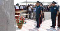 На месте крушения вертолета Ми-8 состоялась церемония открытия памятника погибшим летчикам