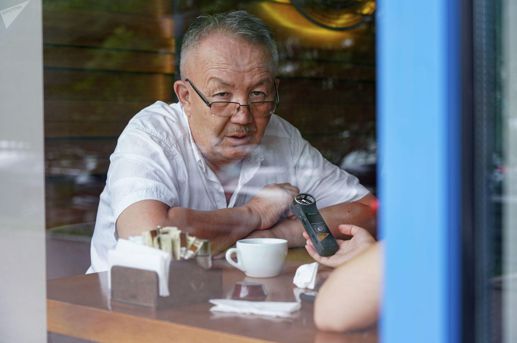 Жамбыл Артыкбаев, историк